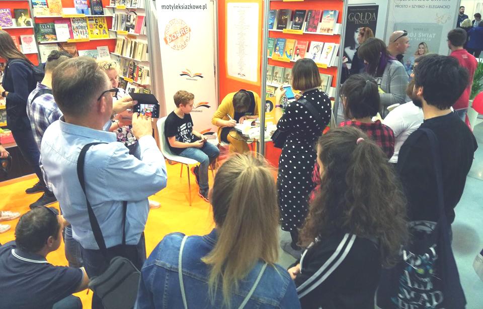 Pierwsze spotkanie autorskie na targach książki